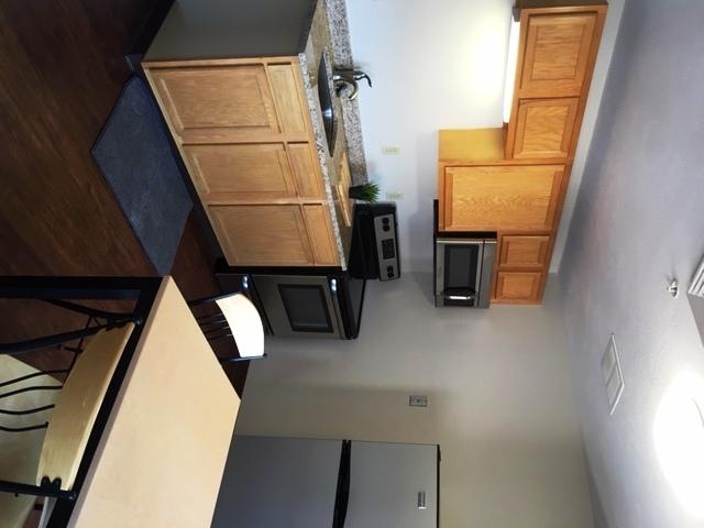 SLB One bed kitchen.jpg
