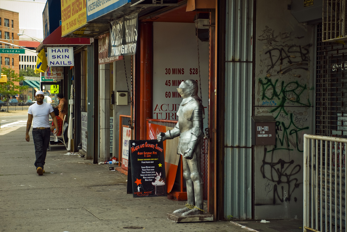 27_the Magic Store in Queens.jpg