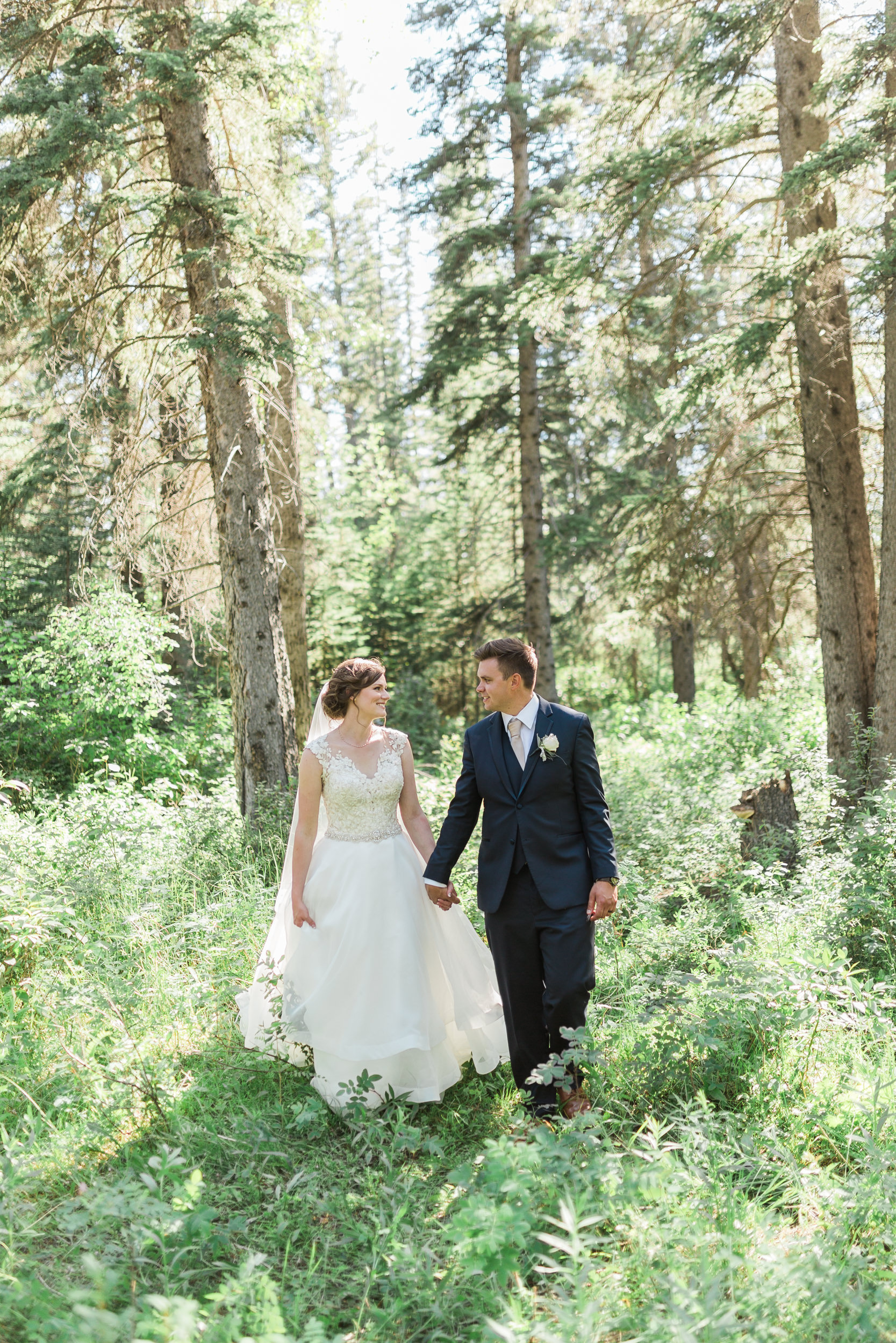 Romantic wedding in Griffith Woods Park in Calgary
