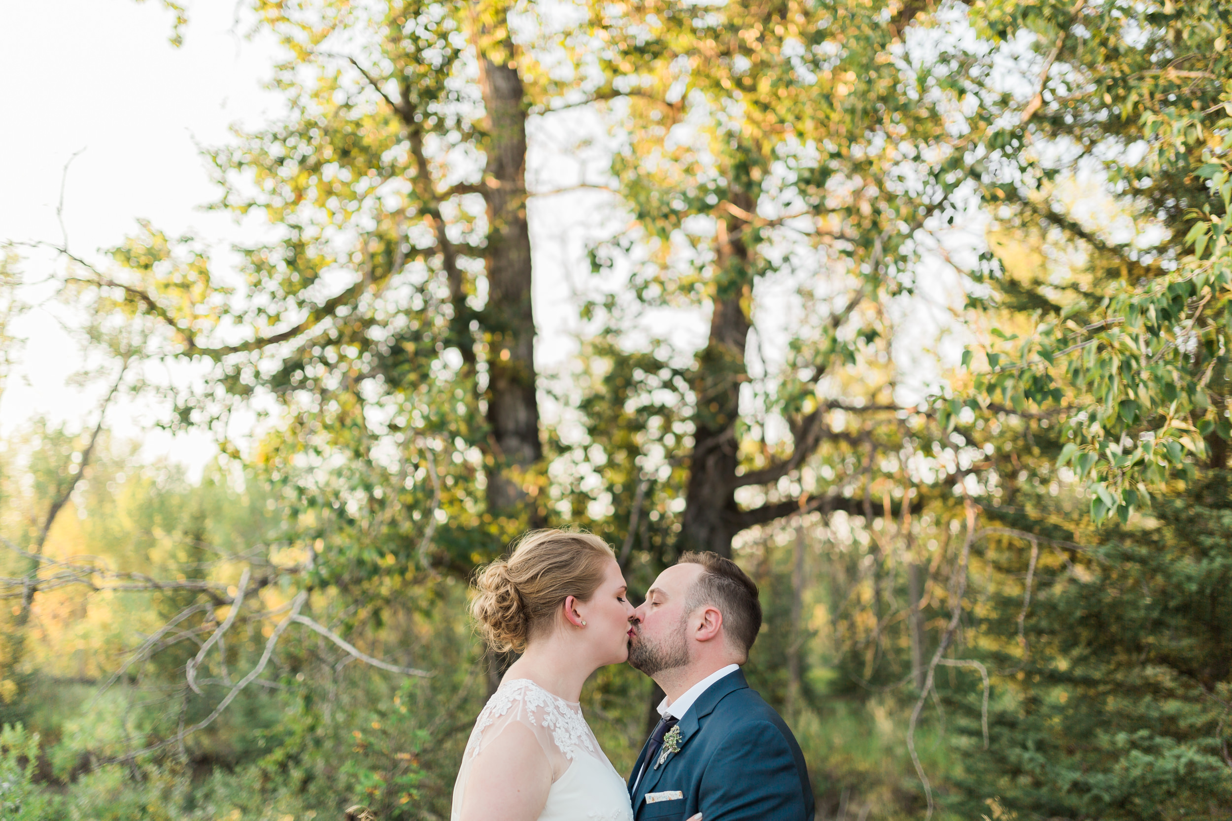 Romantic wedding in Bragg Creek