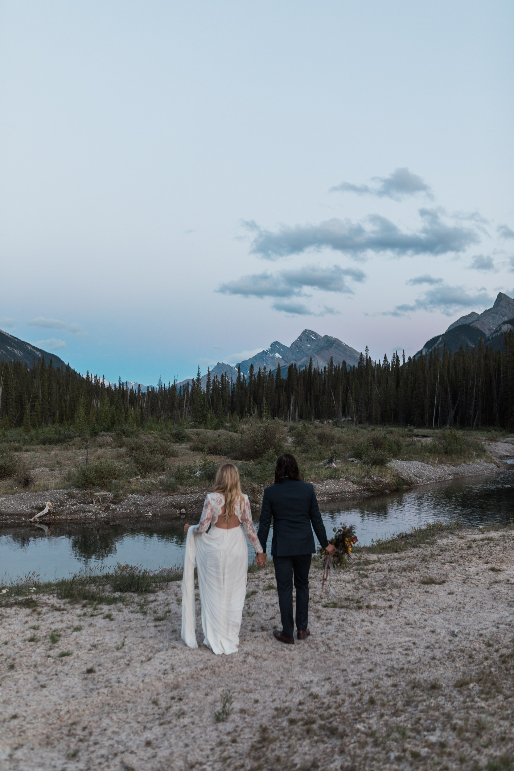 Calgary-wedding-photographers-photos-banff-46.jpg