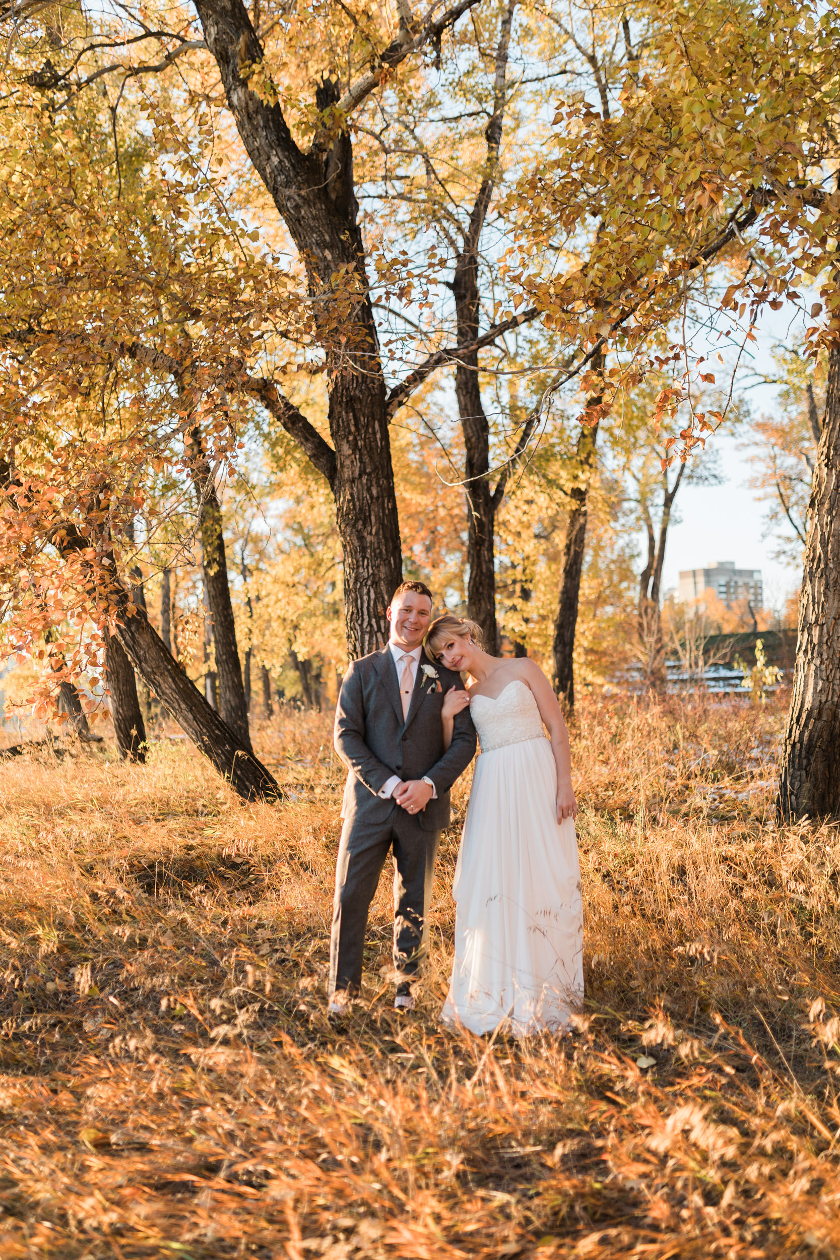 Timeless wedding outside in fall in Calgary