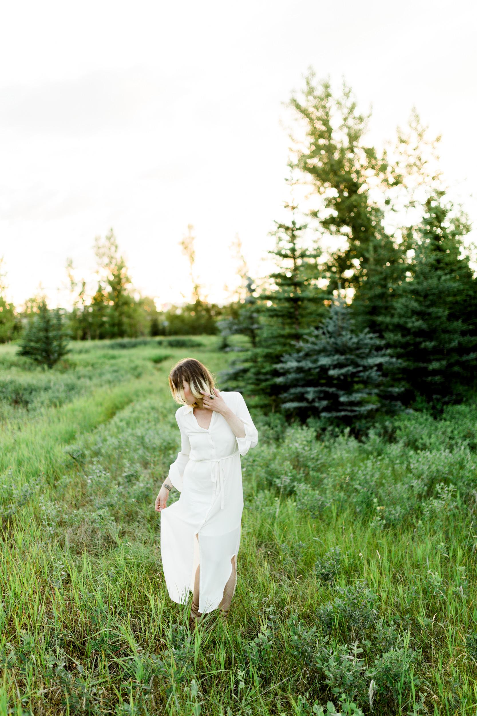 Calgary-wedding-photographers-photos-banff-portrait-3.jpg