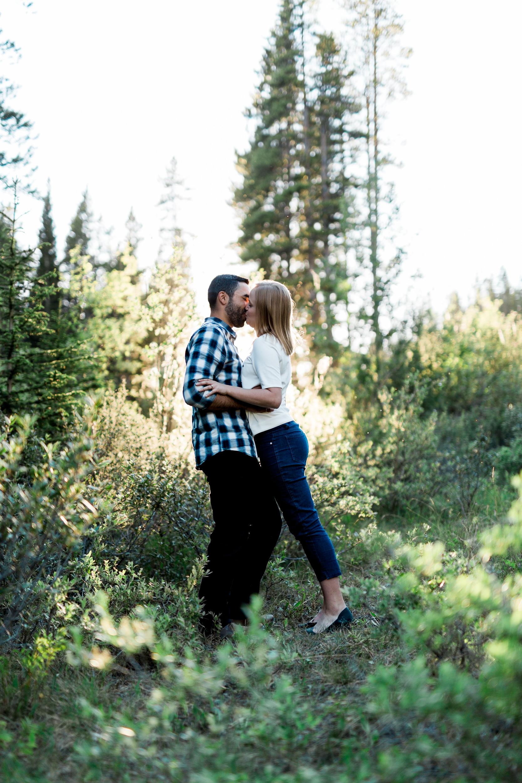 Calgary-wedding-photographers-photos-banff-engagement-33.jpg