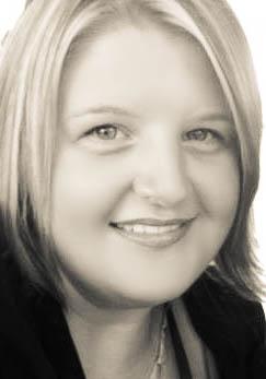 Fiona Wiebusch Profile.jpg