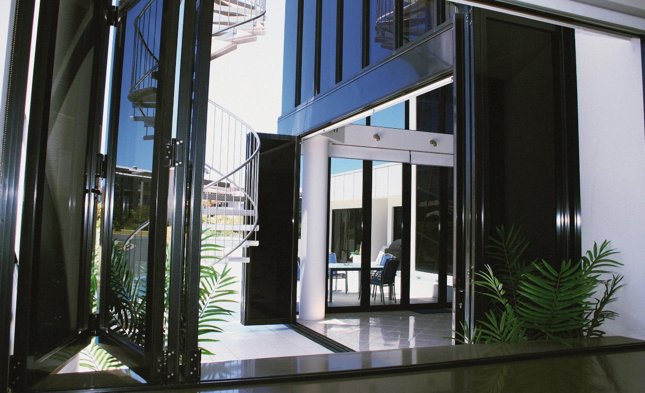 Bi-fold Windows — Aero Glass and Aluminium | Windows and