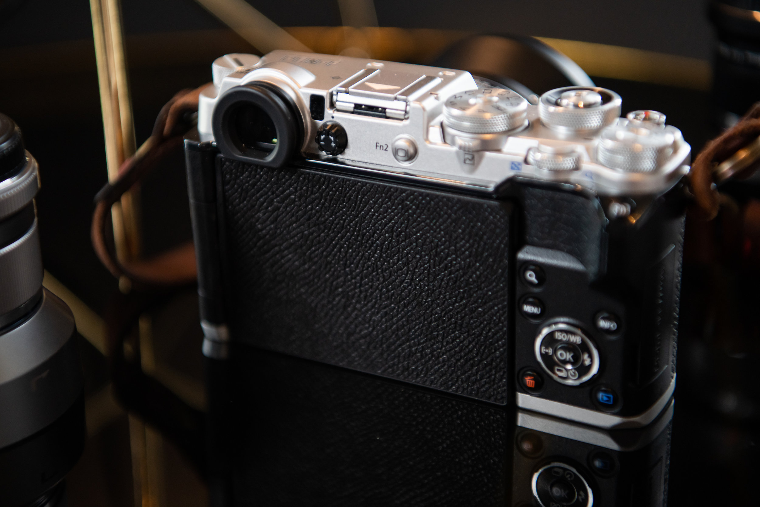 Ok, who stole my LCD?? Jokes aside, Leica charge a lot for a camera with no LCD…