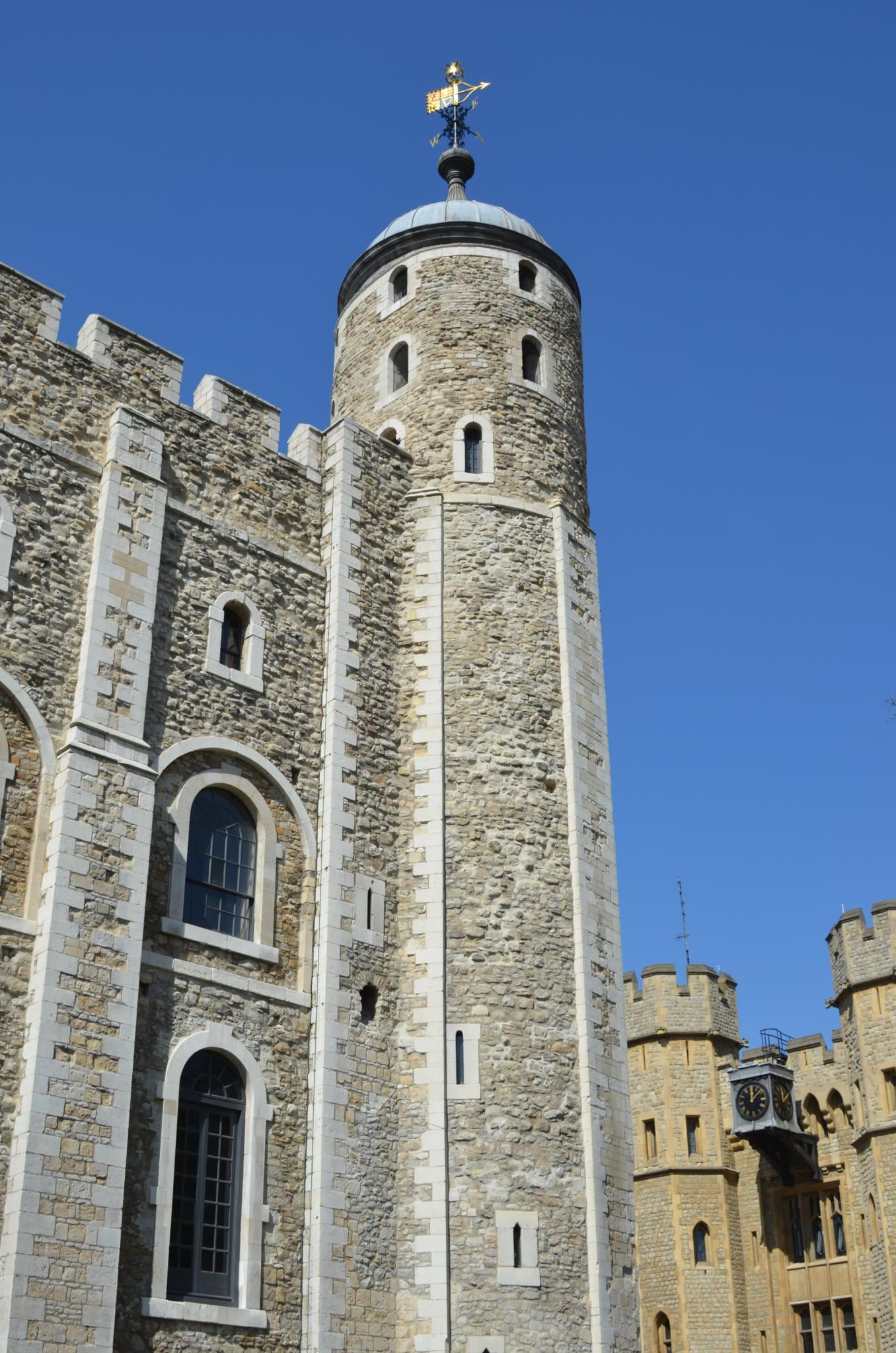 Tower of London   (CC BY 2.0)  by  Xiquinho Silva