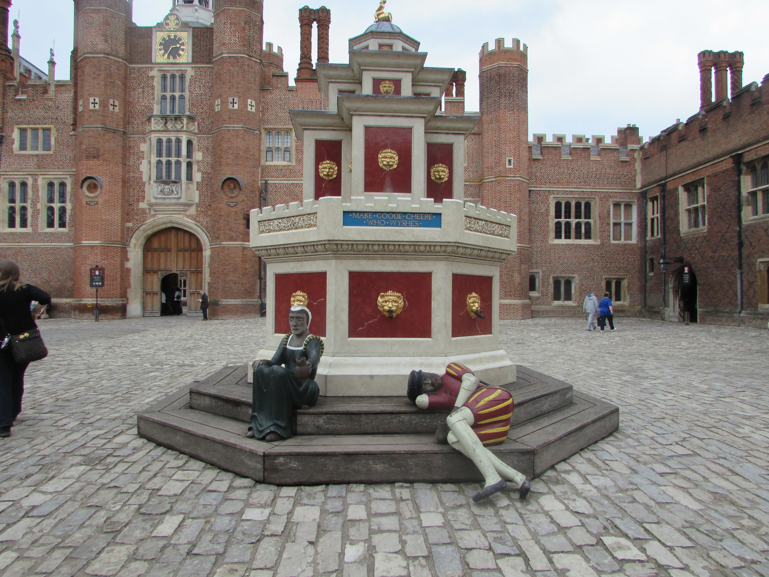 Hampton Court 15.jpg