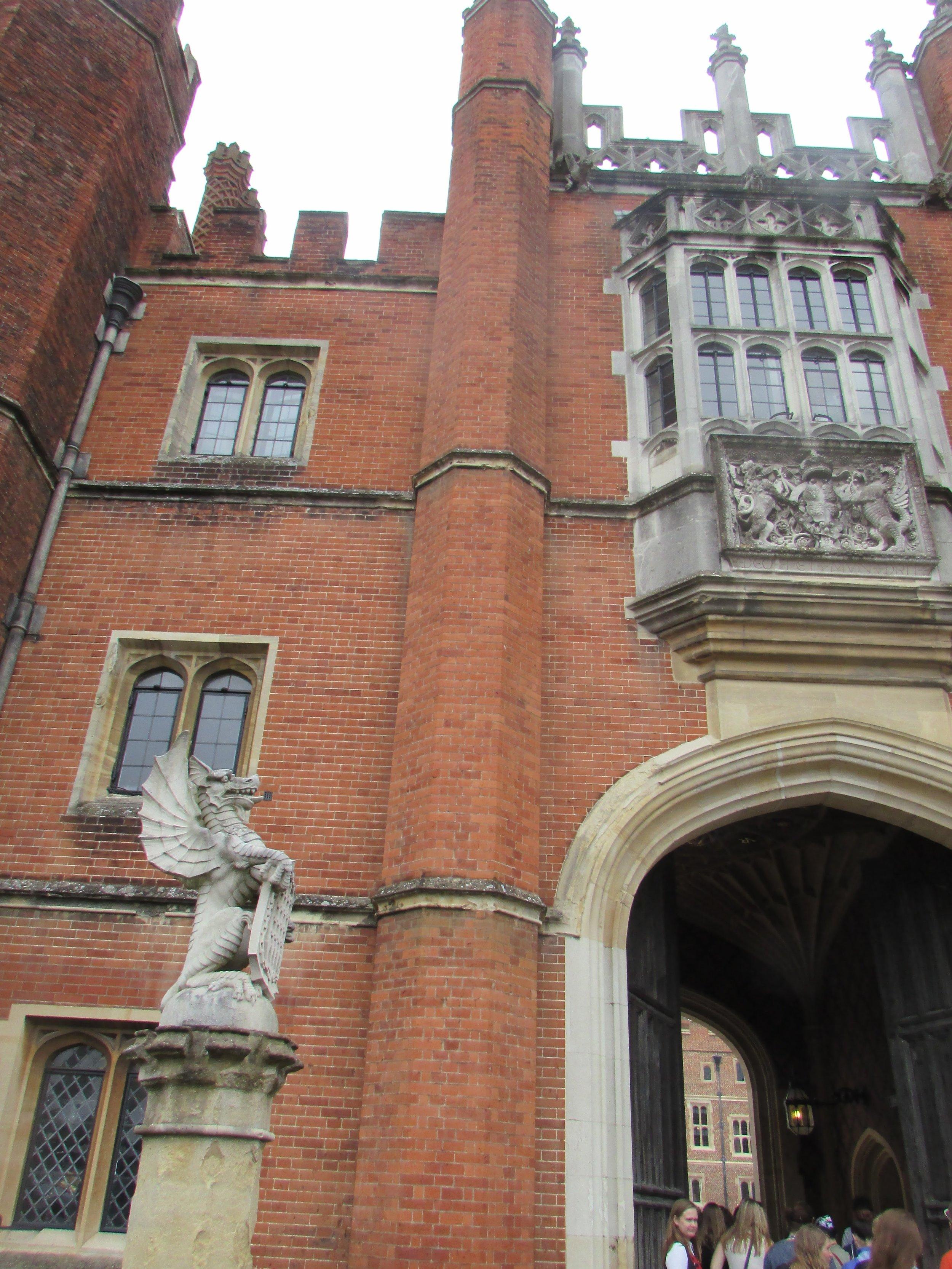 Hampton Court 13.jpg