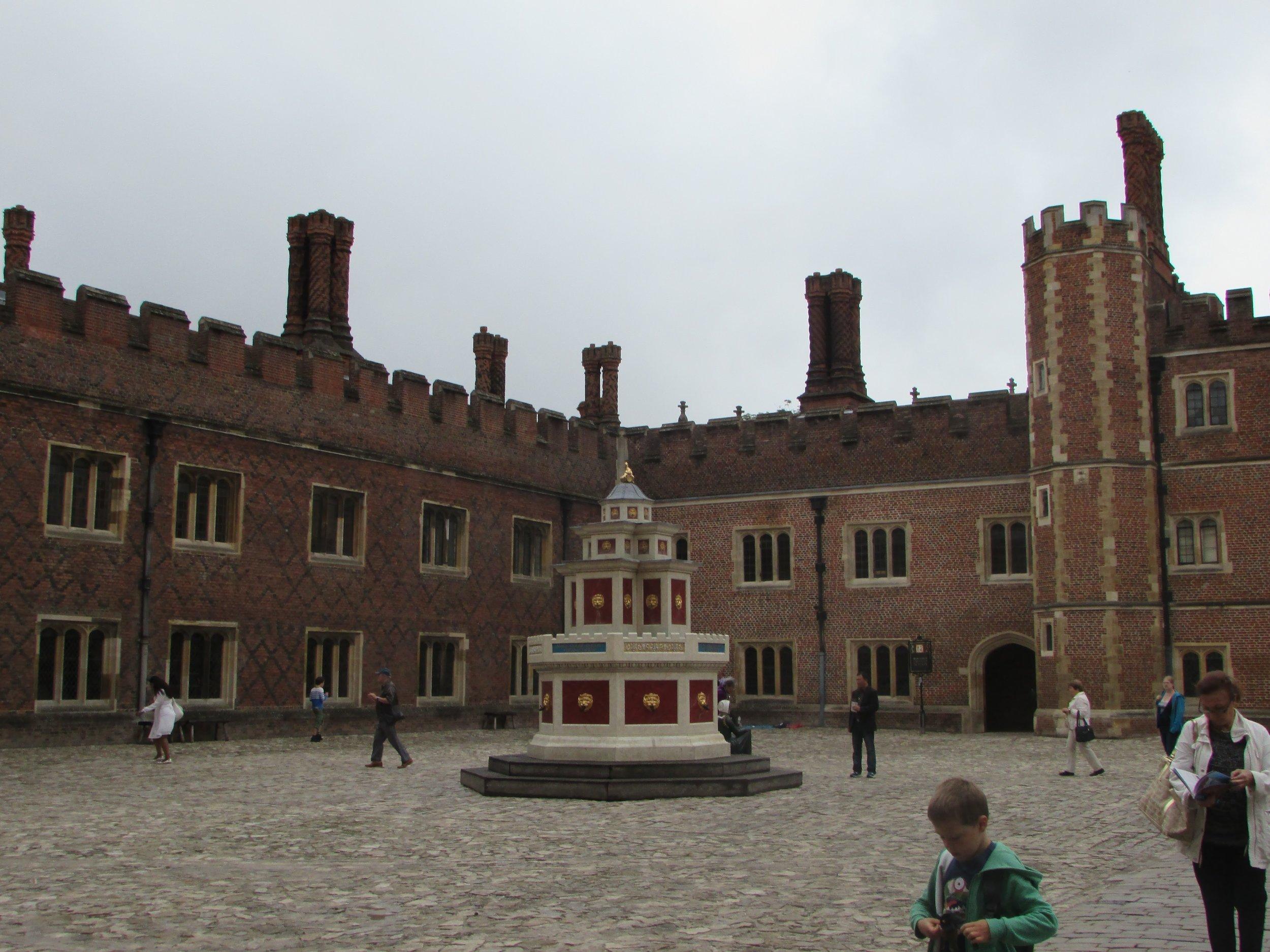 Hampton Court 4.jpg