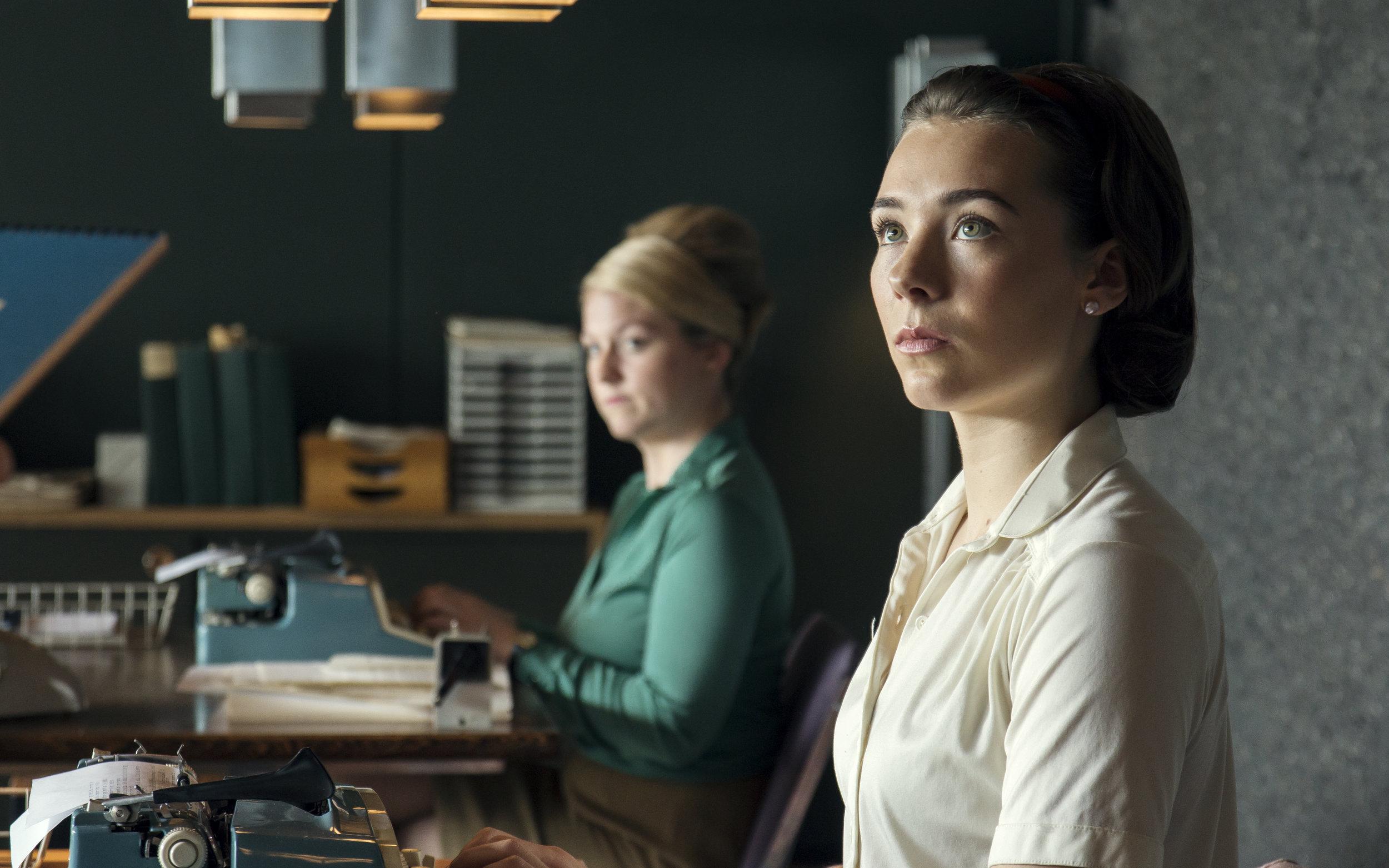 LYKKELAND_Anna og sekretærene3_Foto_Petter Skafle Henriksen_NRK_Maipo Film kopi.jpg