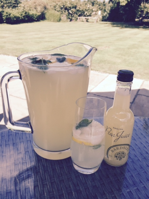 Summer is finally here, so why not relax with this thirst-quenching recipe.     Mix Bardsley Farms English   Pear juice, with chilled sparkling water, freshly squeezed lemon juice, and cooling mint - then add ice for a refreshing summer drink.
