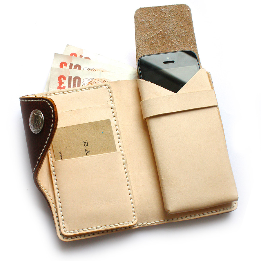 Premium-iPhone-wallet-05.jpg