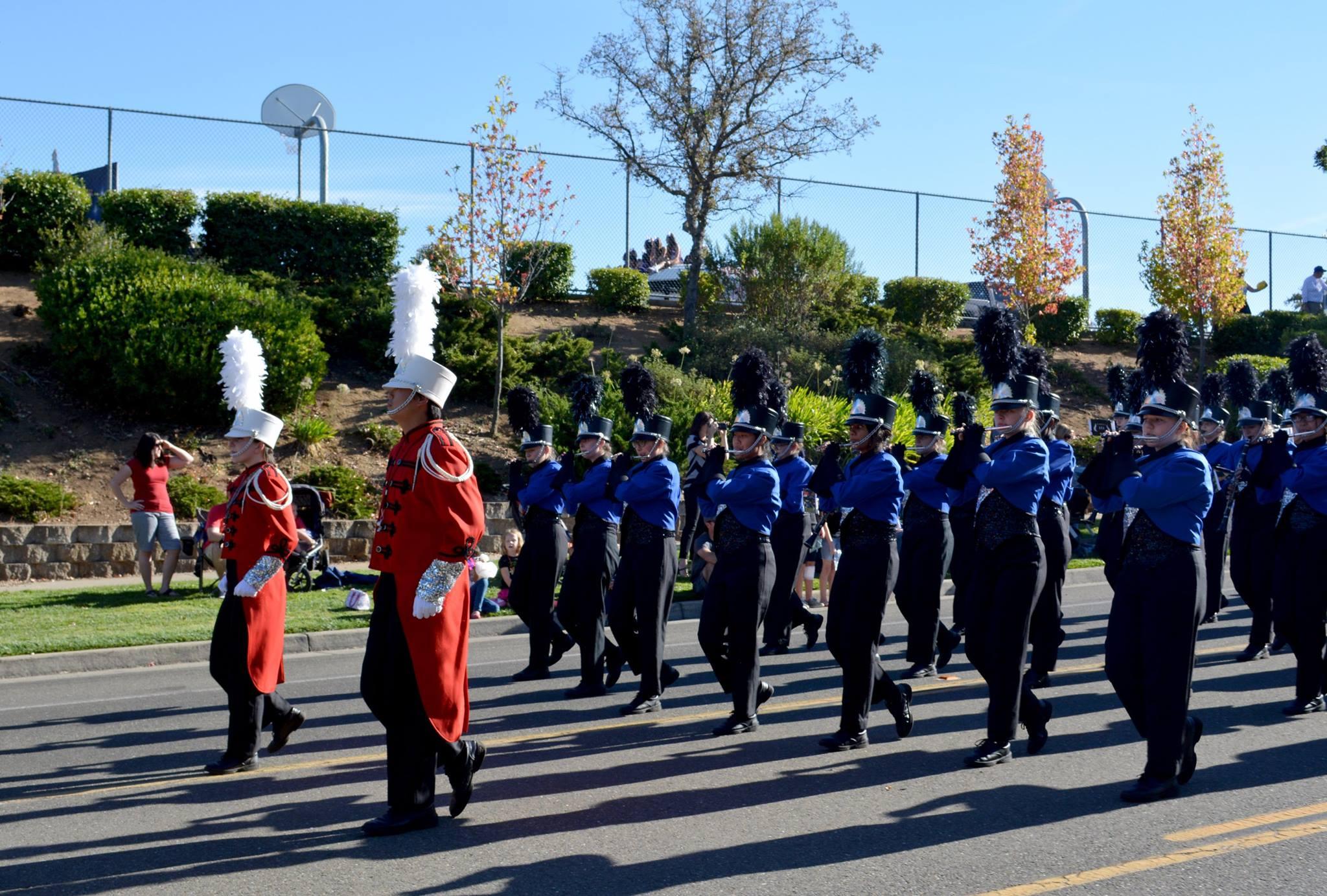MB homecoming parade 2016.band with majors.jpg