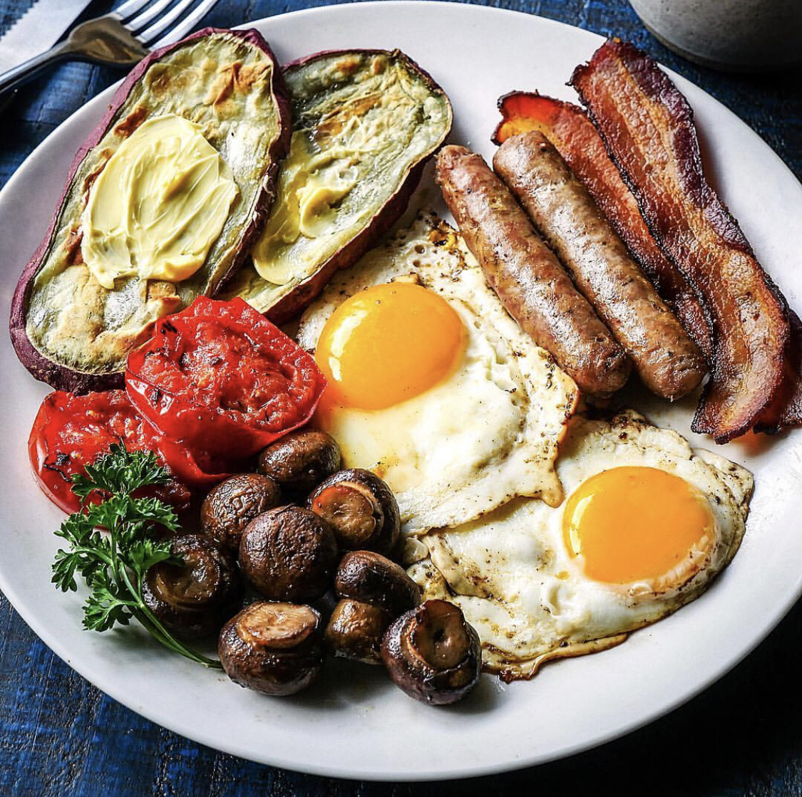 The  Sophisticate Caveman  made a paleo version of a full Irish breakfast!