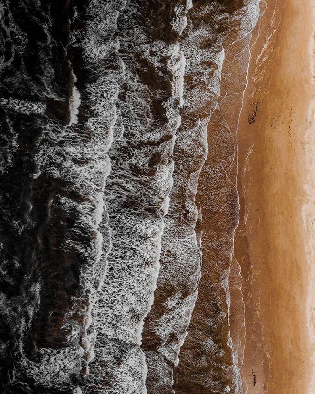 Waves From Above 🌊 • • • • • #princeedwardisland #moodygrams #travelphotography #goldenhour #justgoshoot #thevisualscollective #awesupply #vscocam #fullframe #theIMAGED #artofvisuals #exklusive_shot #agameoftones #visualsoflife #ReflectionGram #feedbacknation #neverstopexploring #dronephotography #eastcoastcreatives #thevisualscollective #awesupply #fog #bevisuallyinspired #basejump #perfecttiming #weddingphotography #eclectic_shotz #folkgreen #earthfocus