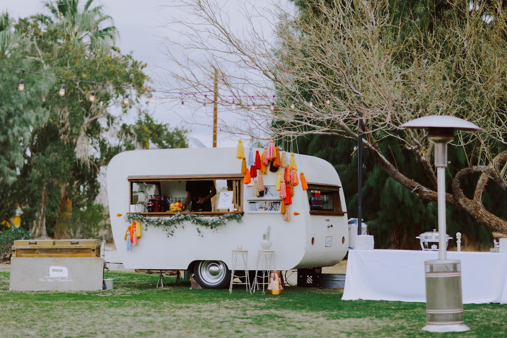 29-Palms-Inn-Joshua-Tree-Jewish-Wedding-H+M-42.jpg