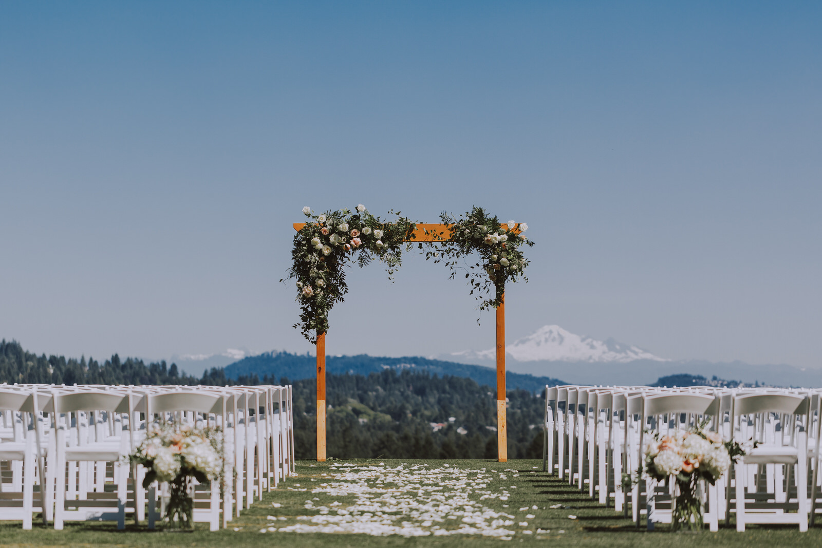 Why Sambajoy? - We are passionate about Vancouver weddings and, as photographers, we love going places, especially the ones that have our hearts. You can look through our portfolio and we are very excited to be hearing from you.