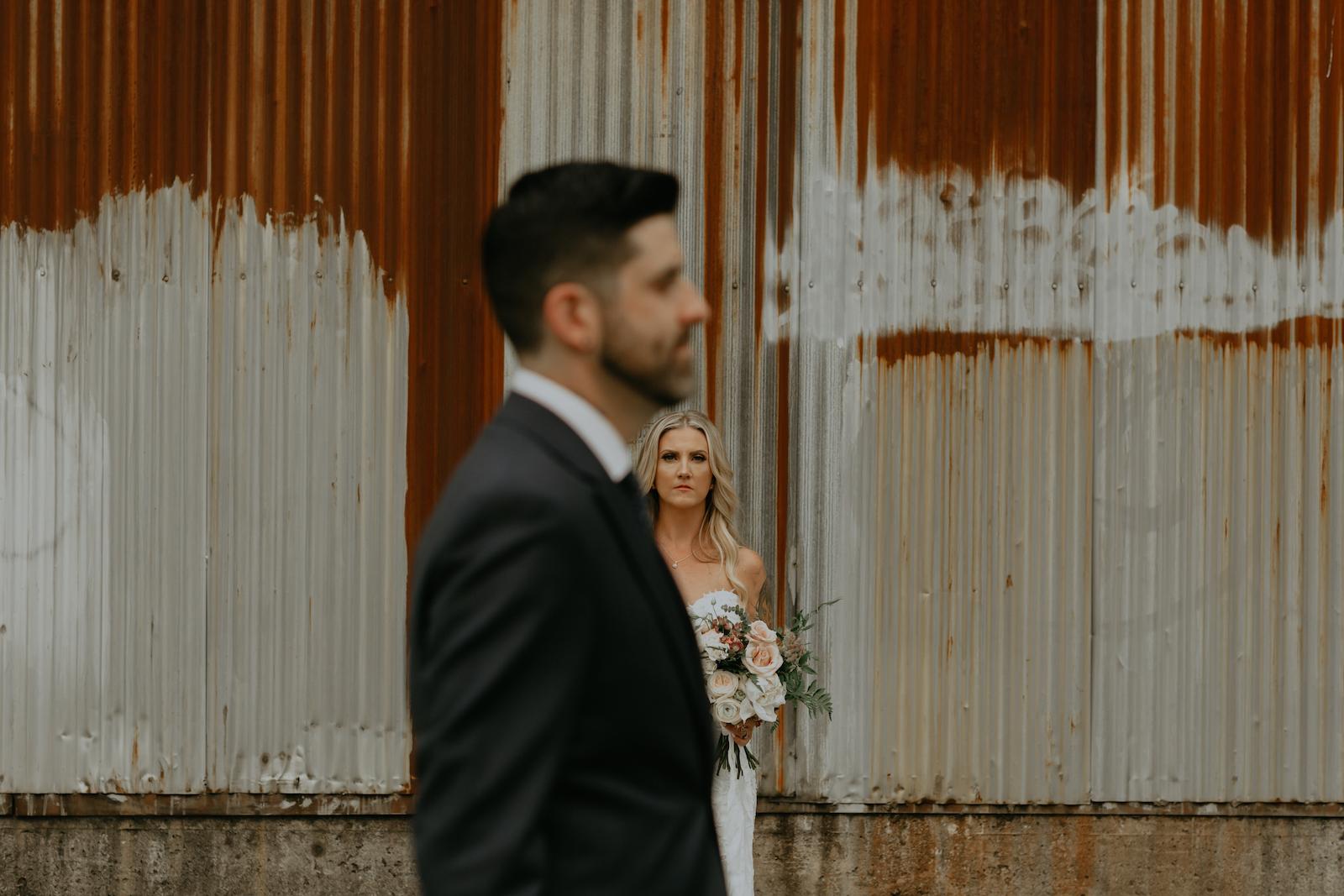 Industrial-Vibe-Wedding-Sambajoy-Photo-Art-22.jpg