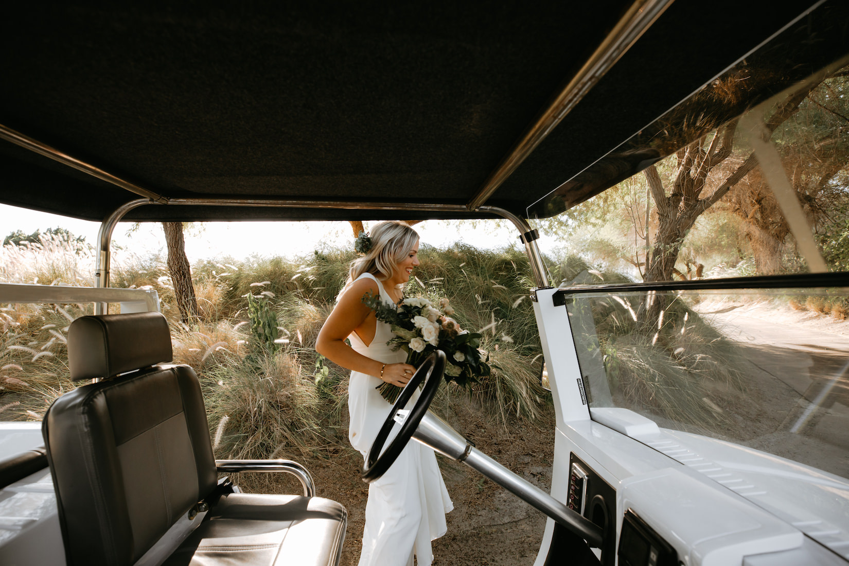 Modern_Golf_Club_Wedding_in_Palm_Springs_010.jpg