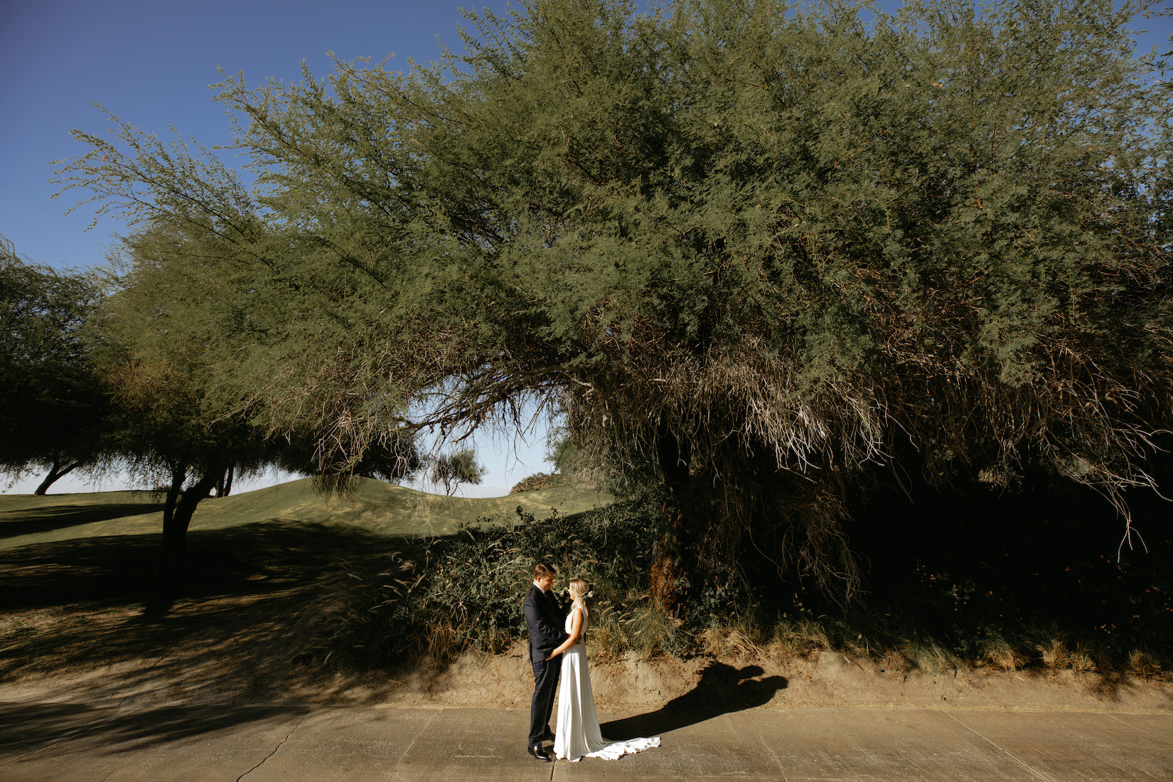 Modern_Golf_Club_Wedding_in_Palm_Springs_012.jpg