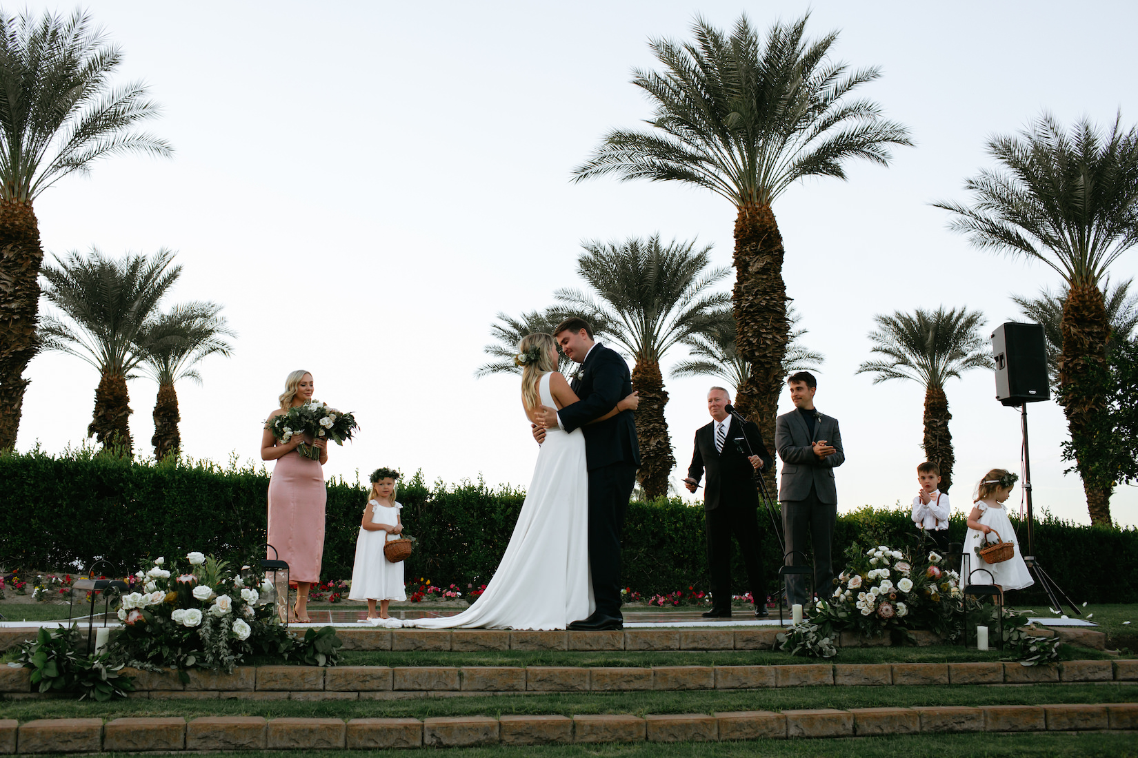 Modern_Golf_Club_Wedding_in_Palm_Springs_031.jpg