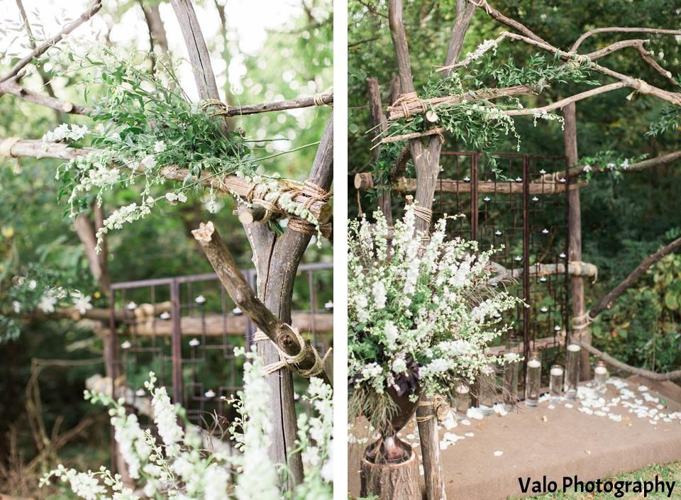 Wedding rustic arch