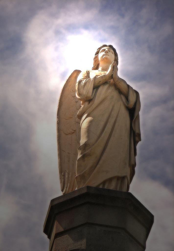 """""""Angel Statue""""by Louise Docker from Sydney, Australia, via Wikimedia Commons"""