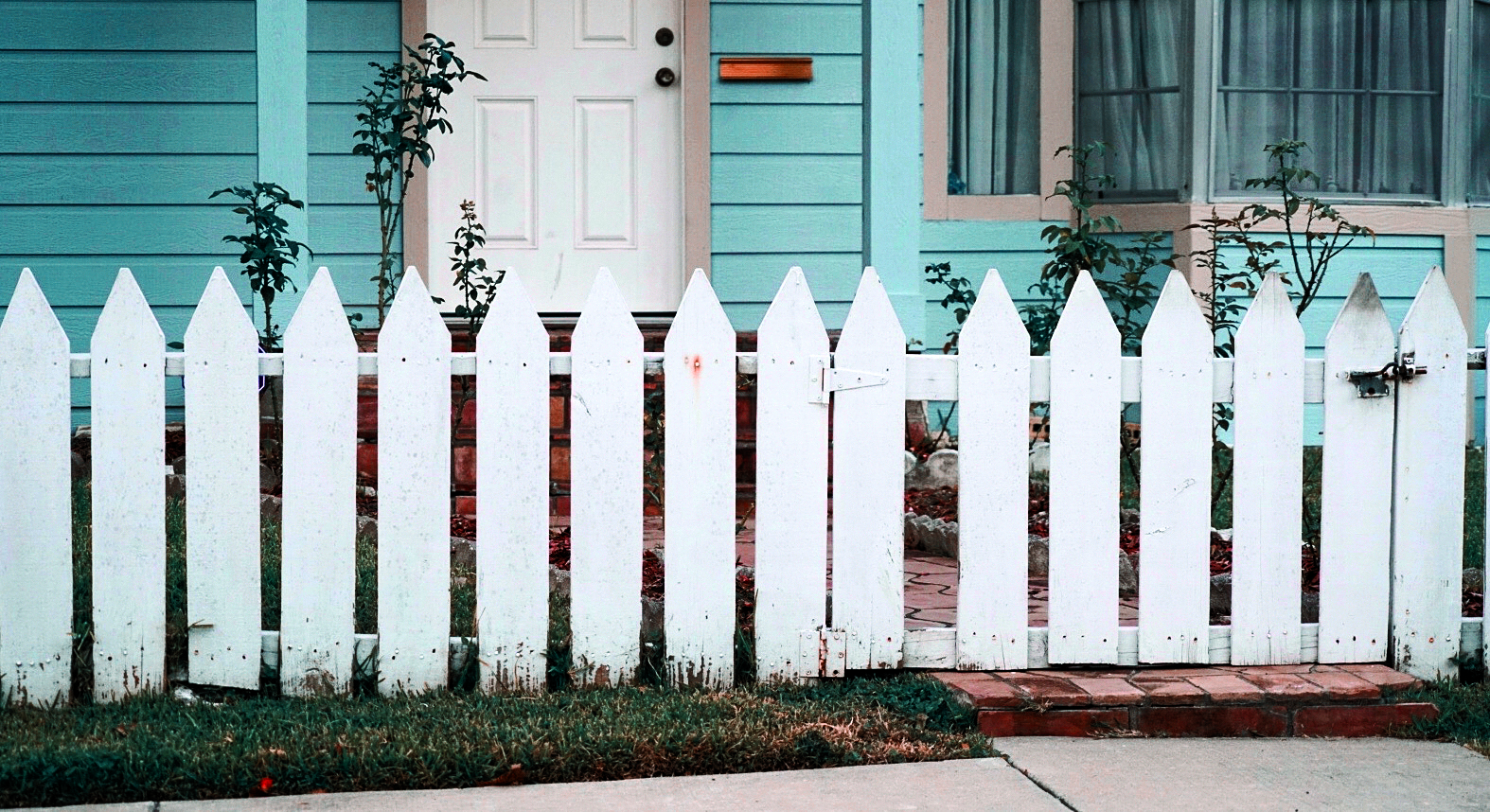 East-End-picket-fence.jpg