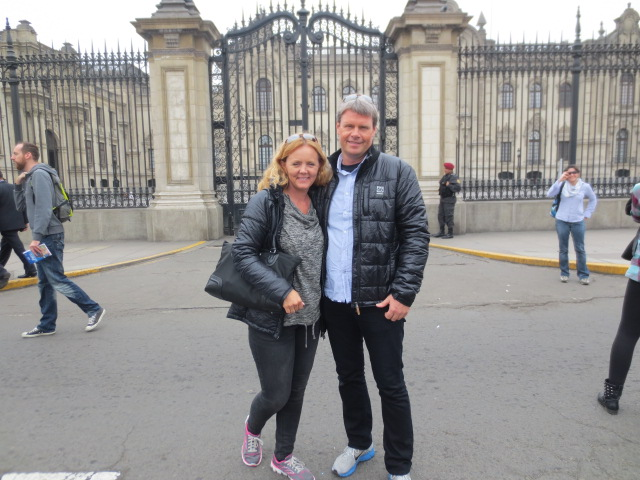 Gudrun and Benedikt in front of the President´s Palace