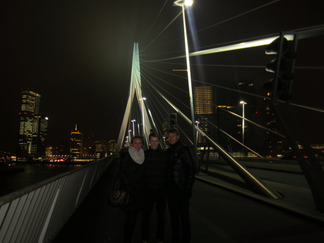 We walked over the Erasmus bridge which is one of the newer bridges in Rotterdam