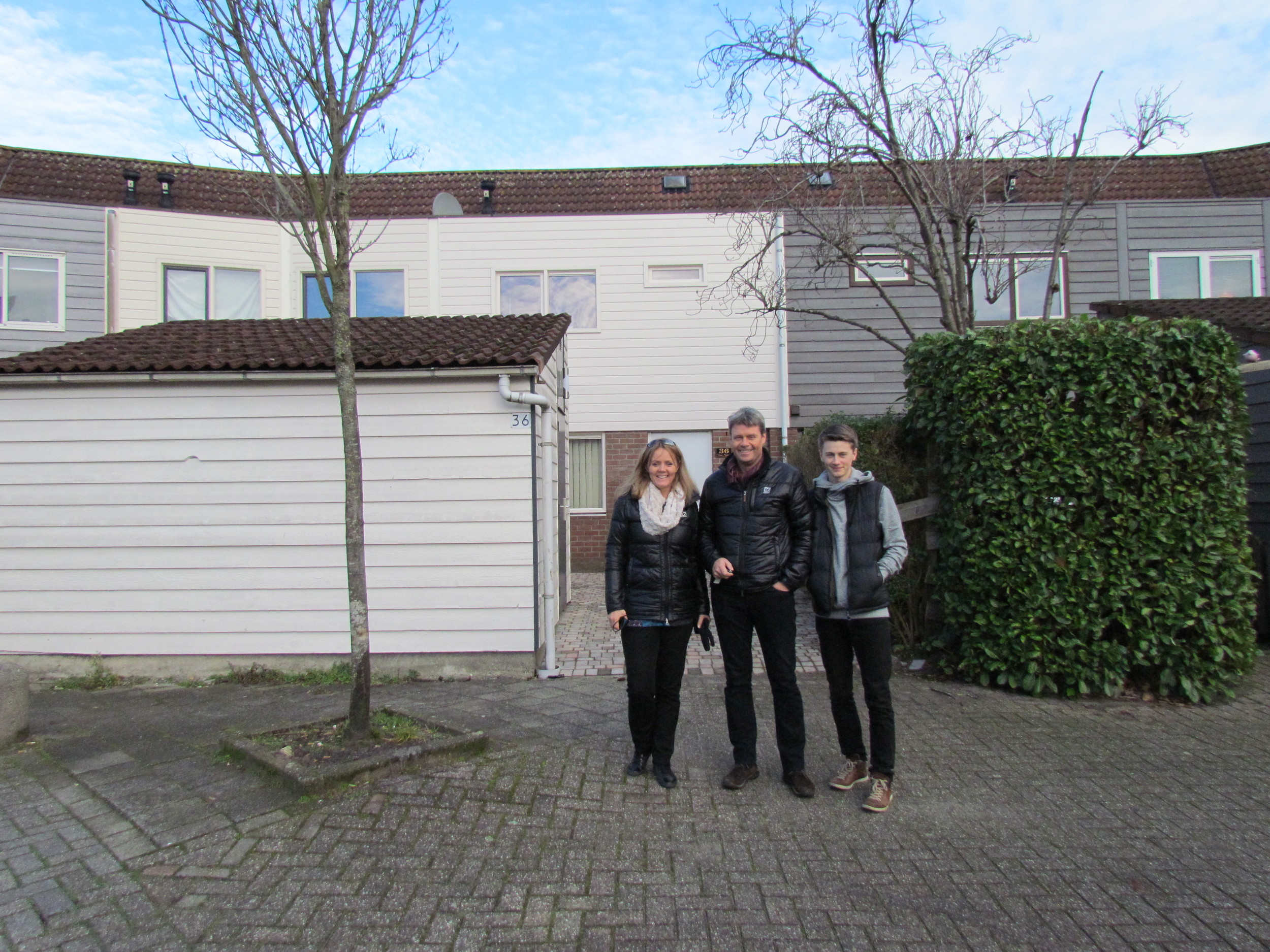 In front of our old house - when Benedikt finally agreed that this was it :-)