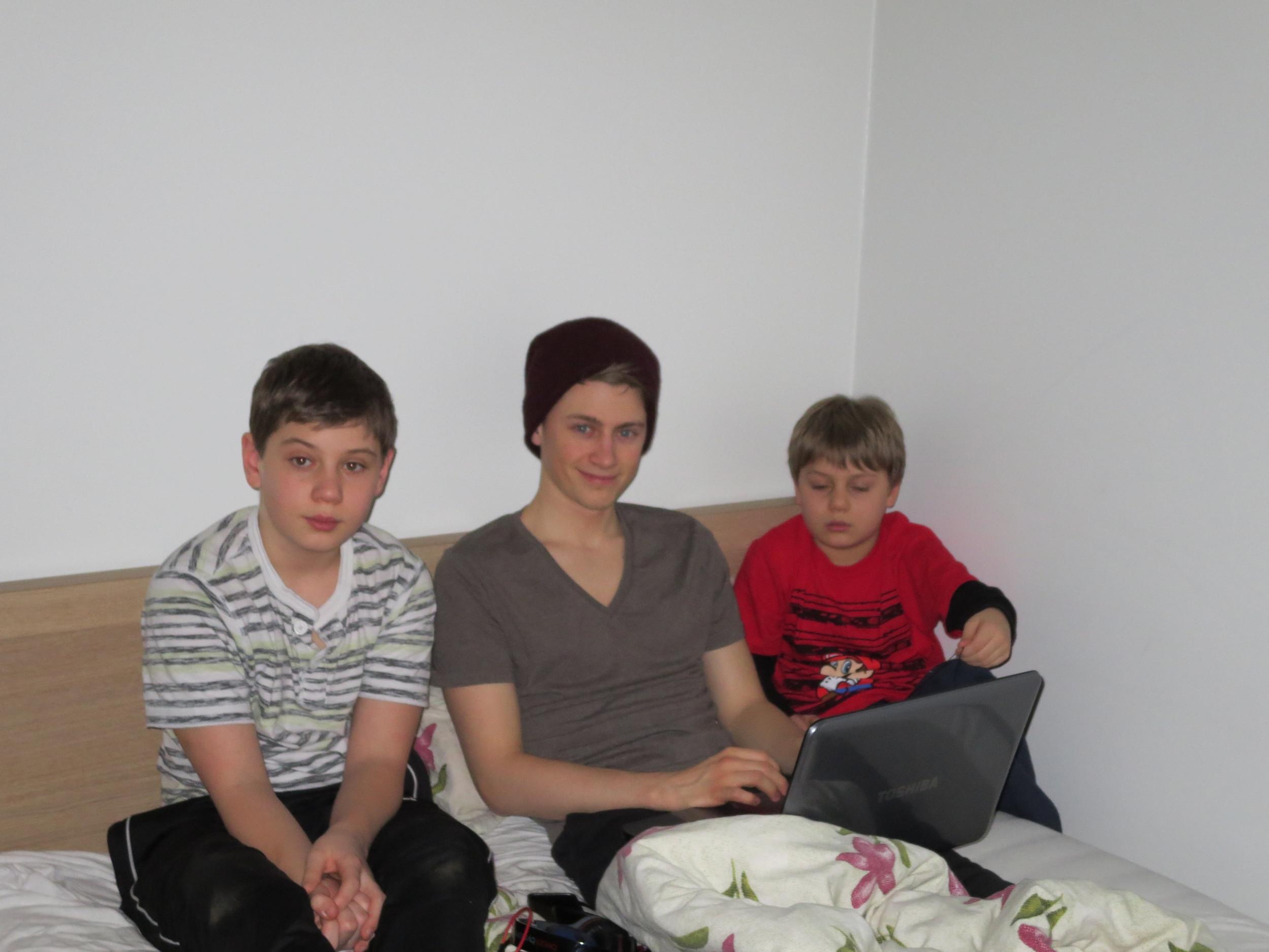 Atli relaxing with his nephews, Adam and Sami