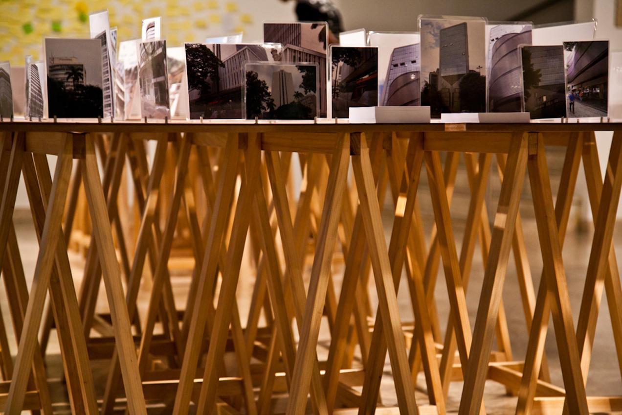 Detalhe dos cavaletes de madeira