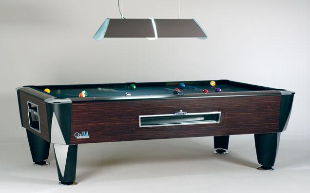 SAM Pool MAGNO  , de meest geplaatste Pool in cafés, elektronische muntinworp zowel per spel of per tijdeenheid.  Altijd zwart laken  - Prijs 6 & 7ft =  € 2.825  incl. BTW 8ft =  € 3.595 incl. BTW, toebehoren inbegrepen .