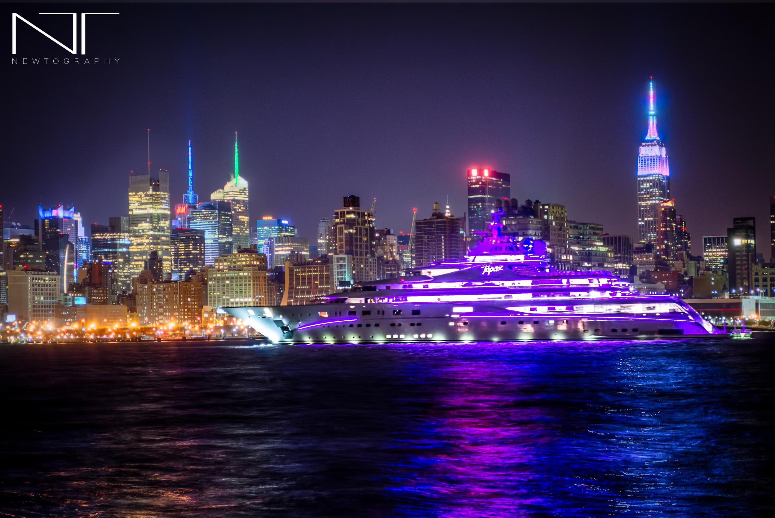 Topaz Super Yacht