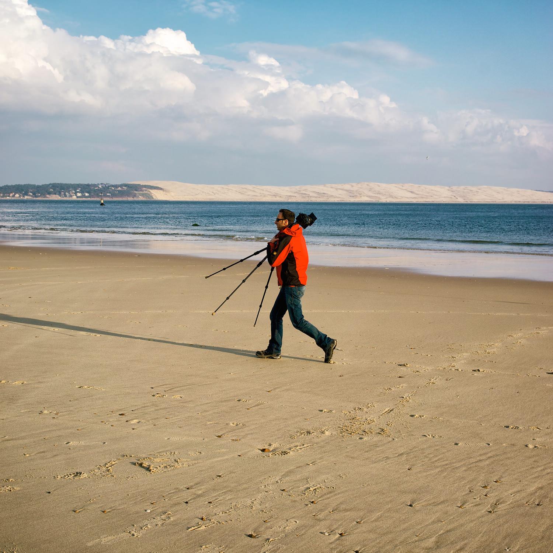Le bipède et son trépied photo. Tout cela à la Pointe du Cap-Ferret #Passion #CapFerret