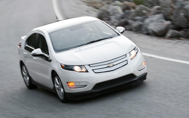 La Chevrolet Volt, un véhicule électrique avec un prolongateur d'autonomie (petit moteur essence).
