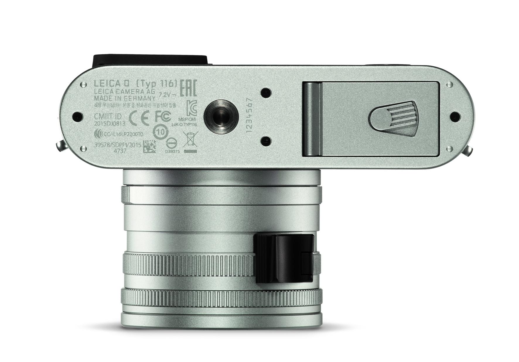 Leica Q silver_bottom.jpg