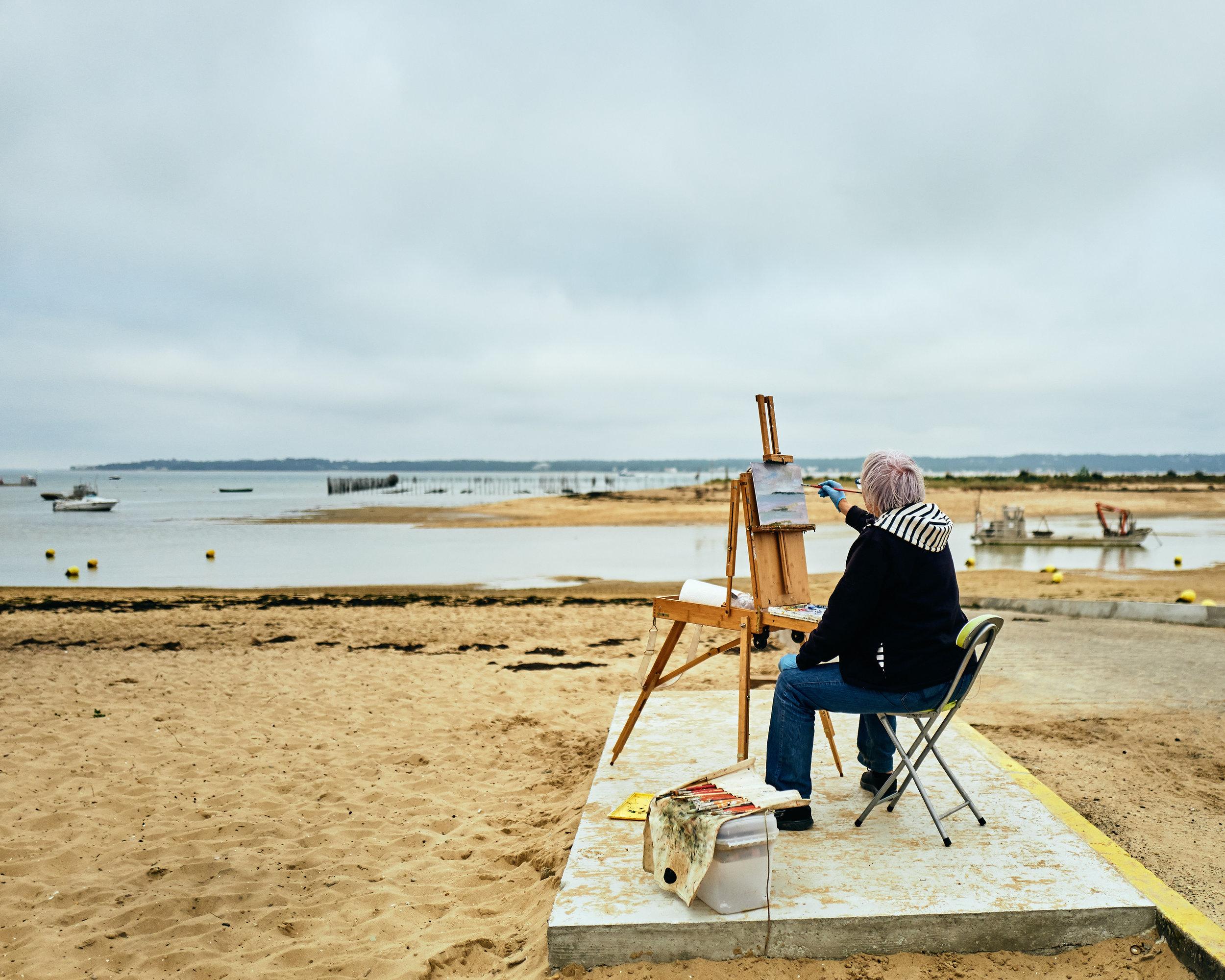 Peintre et moment pictorial sur la plage du Mimbeau, Presqu'ile du Cap-Ferret // Octobre 2017 // Leica Q // Capture One Pro 10 Spectrum Style // © Thierry Lothon