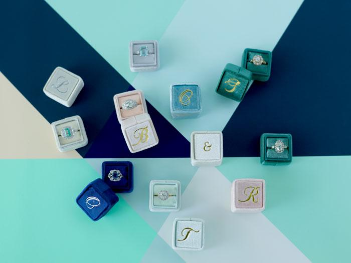 the-mrs-box-color-ring-box-velvet-monogram12.jpg