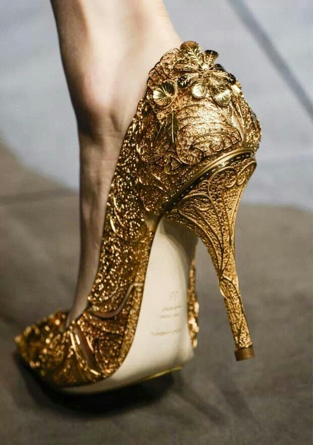 high heels falling.jpg