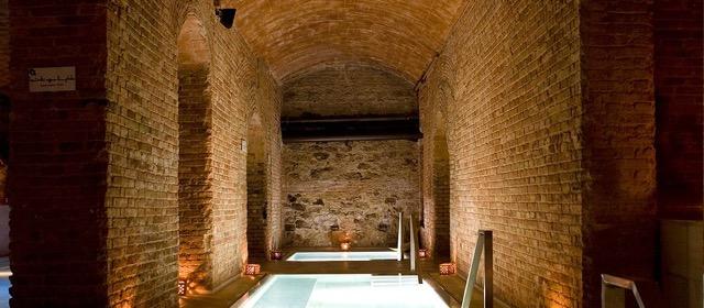 banos-de-agua-caliente-y-fria-banos-arabes-y-spa-aire-de-barcelona.jpeg