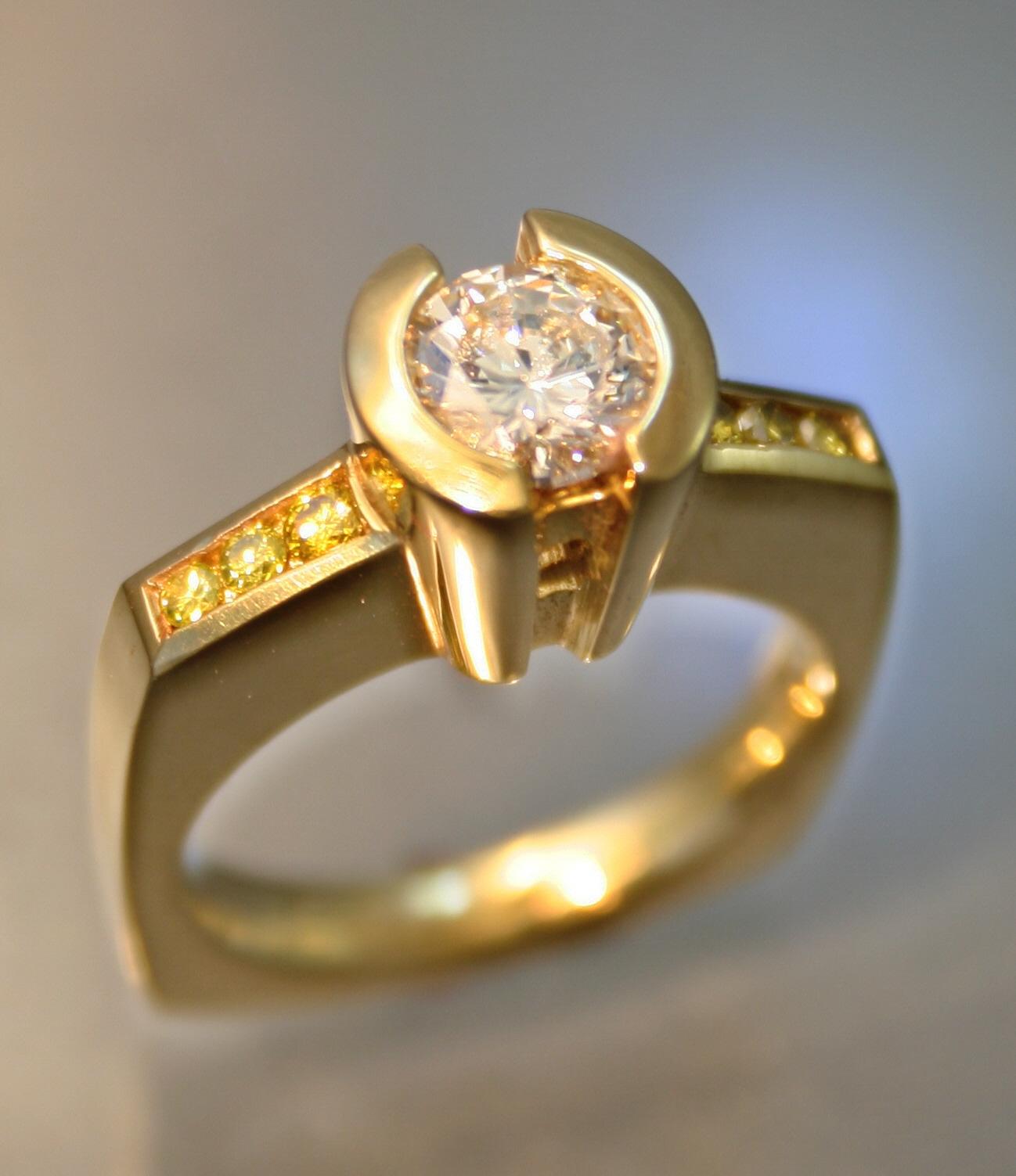 18K yellow diamond.JPG