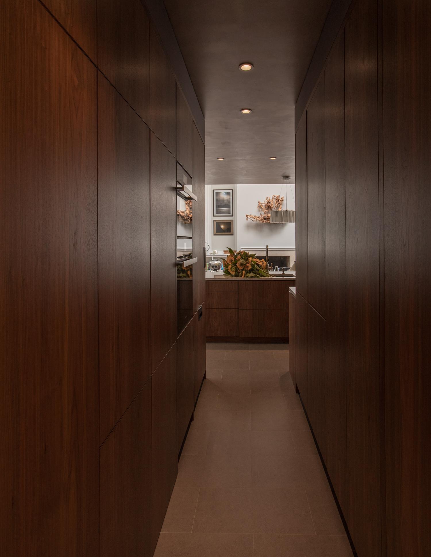 Kitchen Galley / Passage