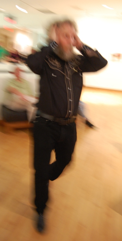 2015-11-27BlackFriday-danceSolo.JPG