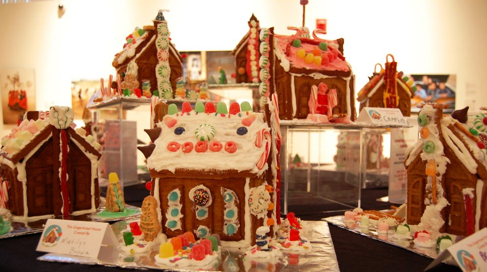 HMA 2016 gingerbread house crop.JPG