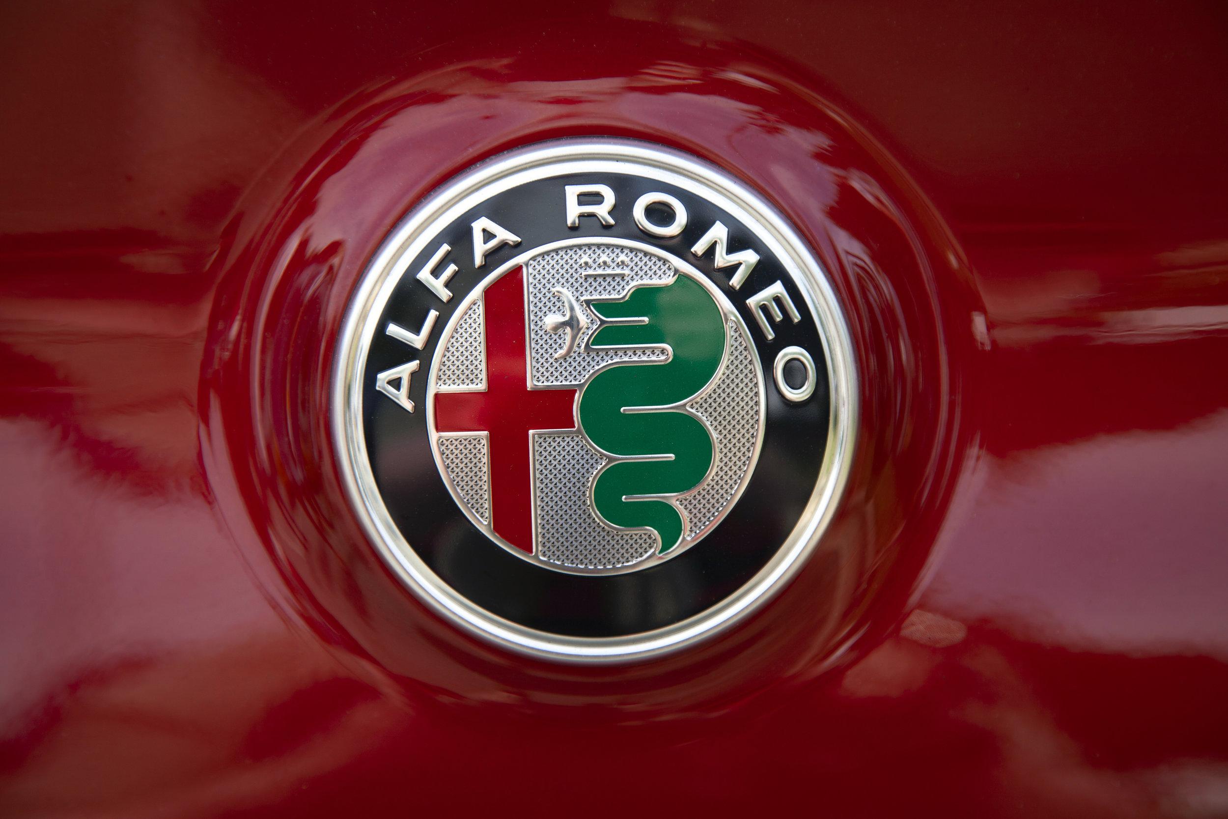 Alfa Romea Badge.jpg