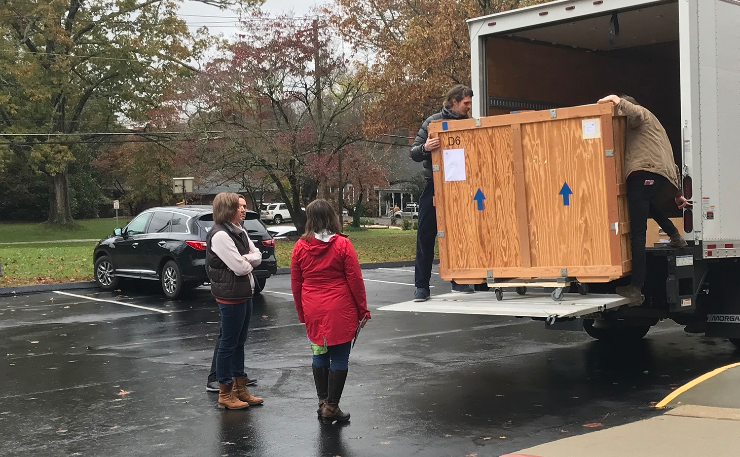 Jon, Clarissa and Kristina welcome the arrival of Daingerfield crates for  A GRAND VISION